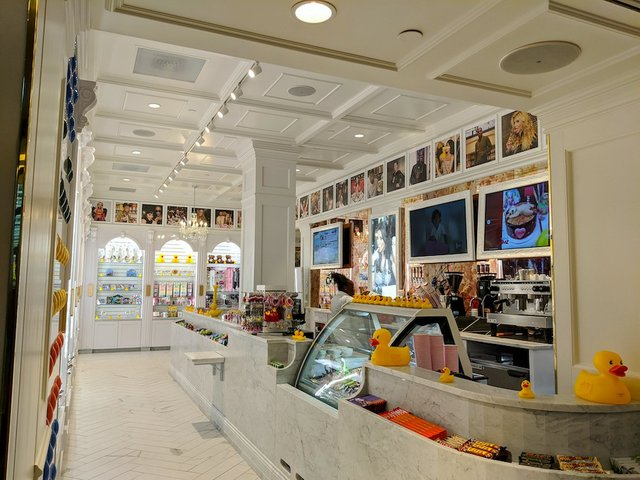 candy and ice cream store