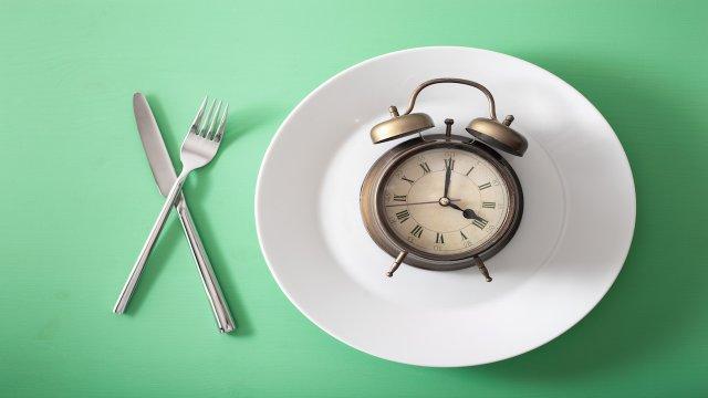 clock on dinner plate