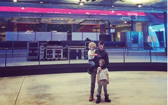 Dayna Frank with Kids