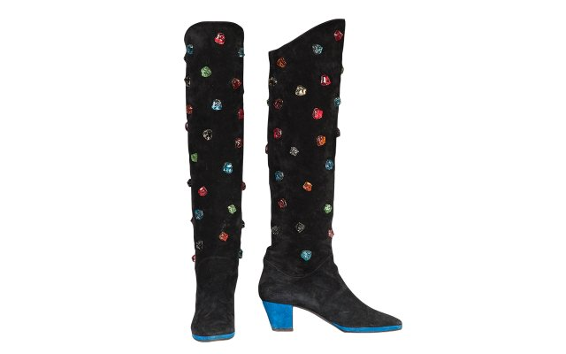 Black suede knee-high boots (1987–88)