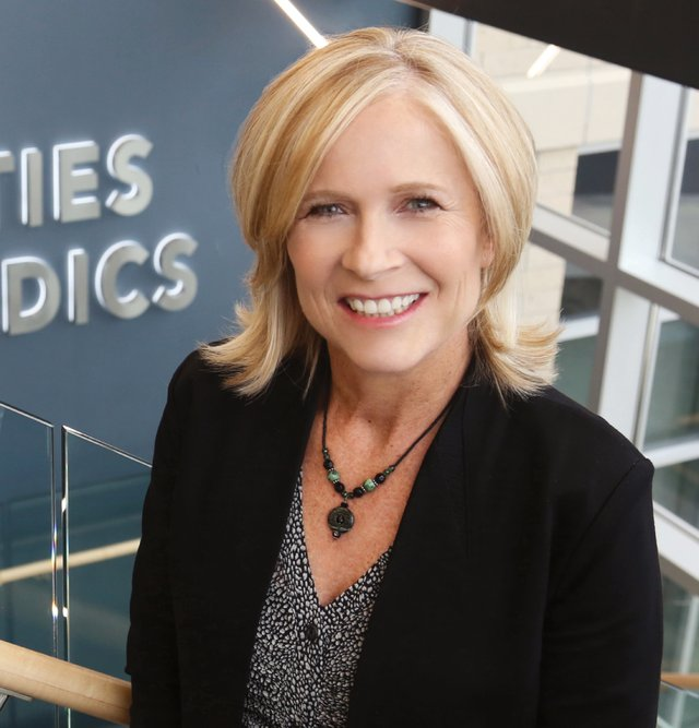 Dr. Saterbak at Twin Cities Orthopedics