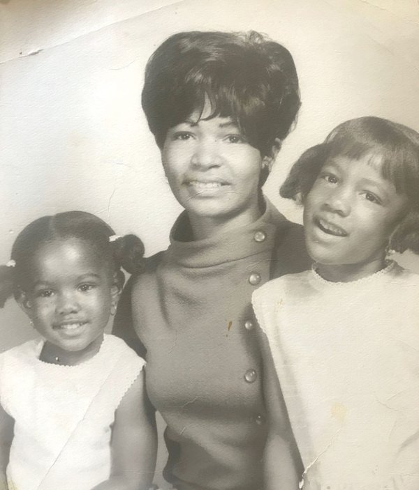 Sondra Samuels with her mother Mary and her sister Tishunda