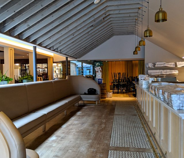 bellecour bar empty