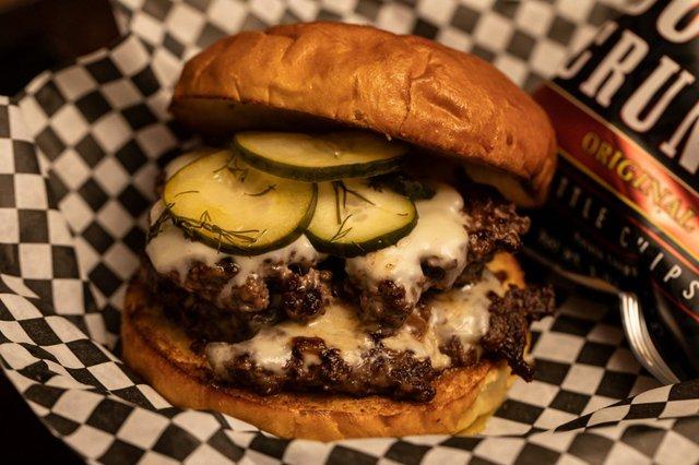 Burger Dive House Burger