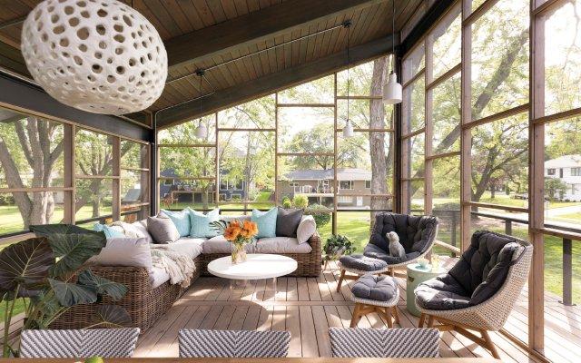 upscale screened in porch