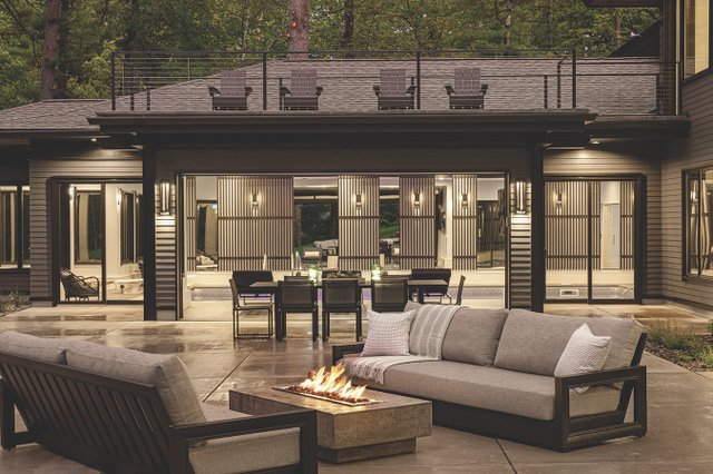 Deck by Hartman Homes