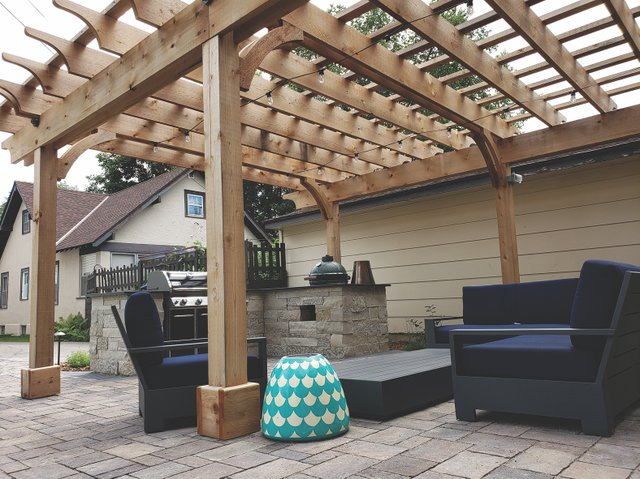 Outdoor Kitchen by Trio Landscaping