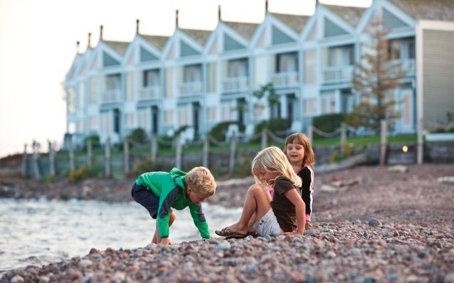 Kids on the beach at Bluefin Bay