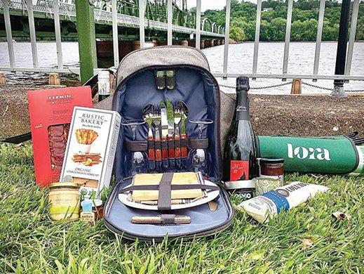 Hotel Lora picnic supplies