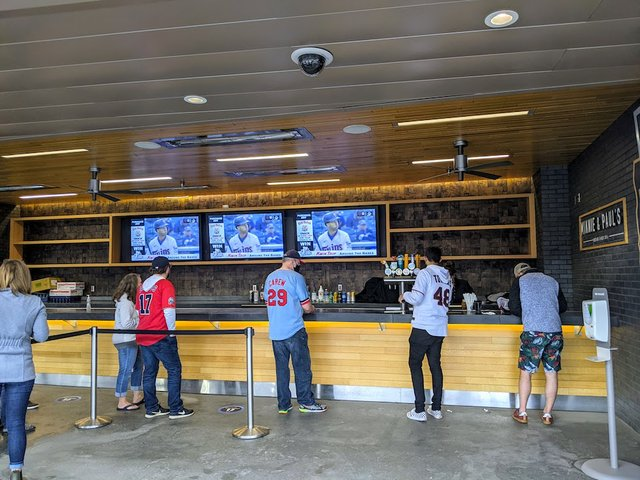 line at the bar in Target Field