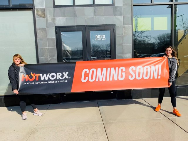 Jen and Lexi Klein of Hotworx Woodbury