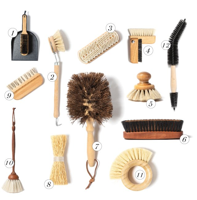 Group of numbered brushes