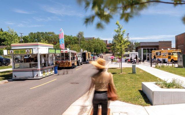 Food trucks lining the street
