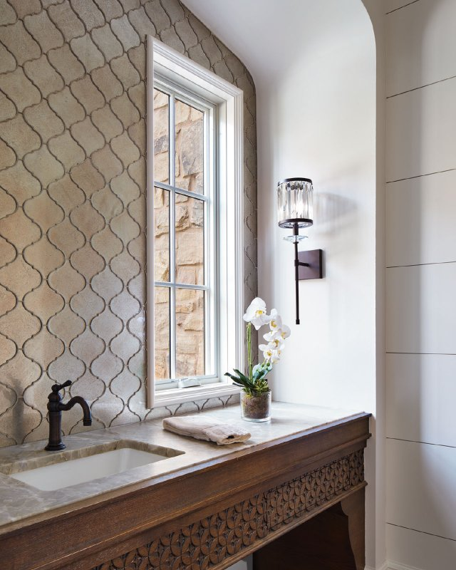 floral motif for the powder room vanity, which presses into an alcove.