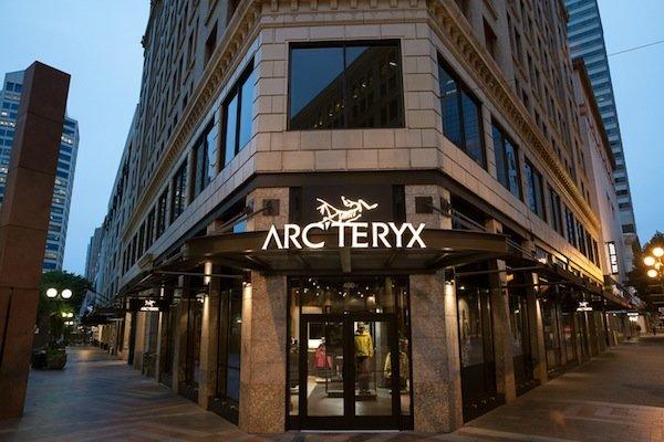 ARC-TERYX_BrandStore_Seattle_Exterior_80px-2-(1).jpg