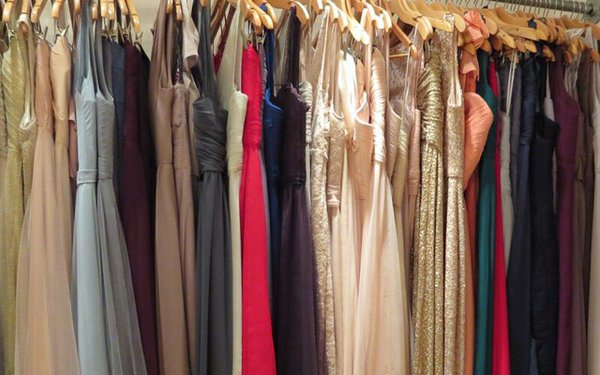 Bridesmaid-Dress-Selection_640.jpg