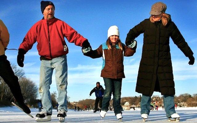FamilySkating_640.jpg