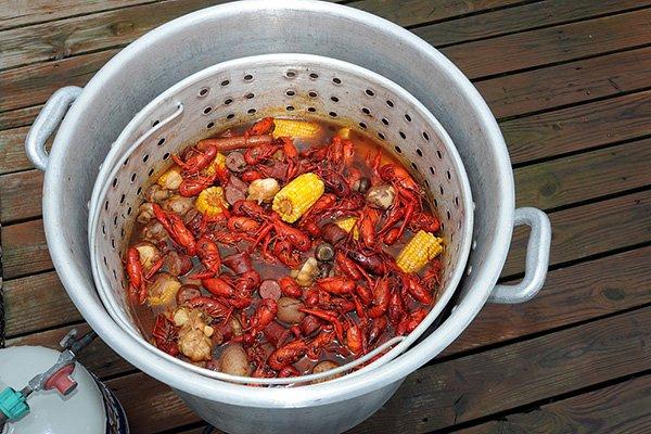 crawfish-boil_600.jpg