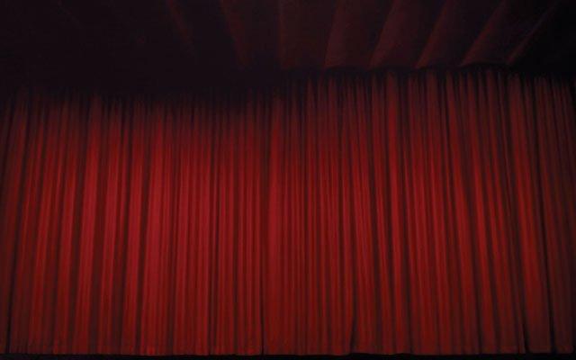 0212-curtain_640s.jpg