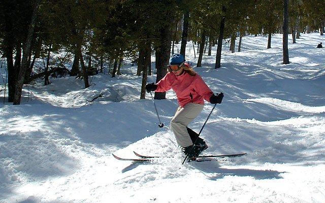 0312-skiing1_640s.jpg