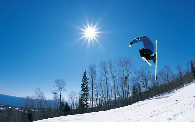 0312-skiing2_640s.jpg