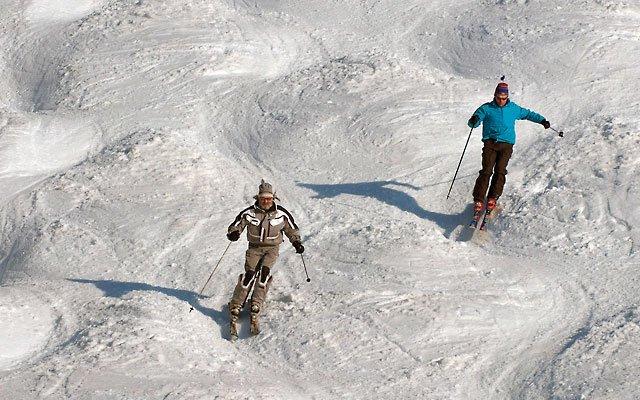 0312-skiing3_640s.jpg