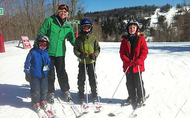 0312-skiing4_640s.jpg