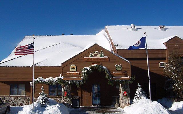 0312-skiing8_640s.jpg