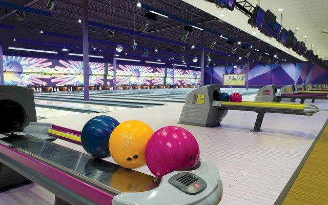 0612-BowlingAngle_640s.jpg