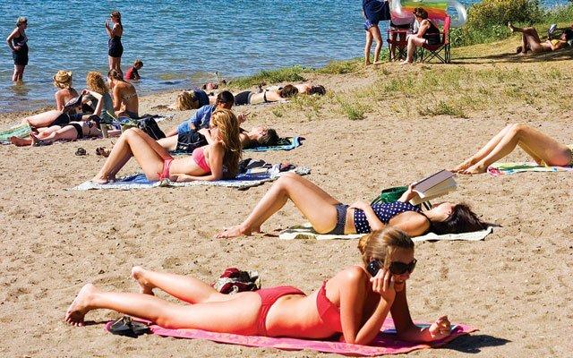 0612-beach2_640s.jpg