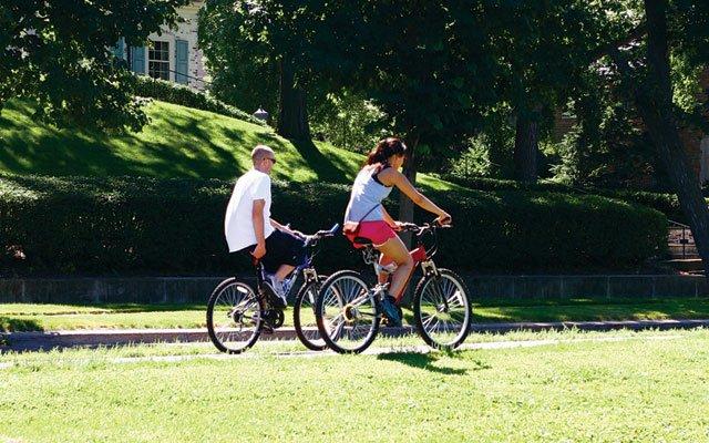 0612-isles-bike_640s.jpg