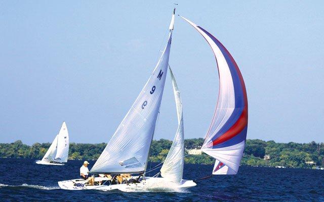 0612-sailing3_640s.jpg
