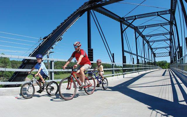 Manning Avenue Bridge on the Gateway Trail