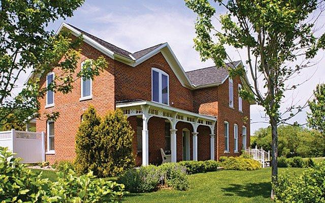 Village House Inn